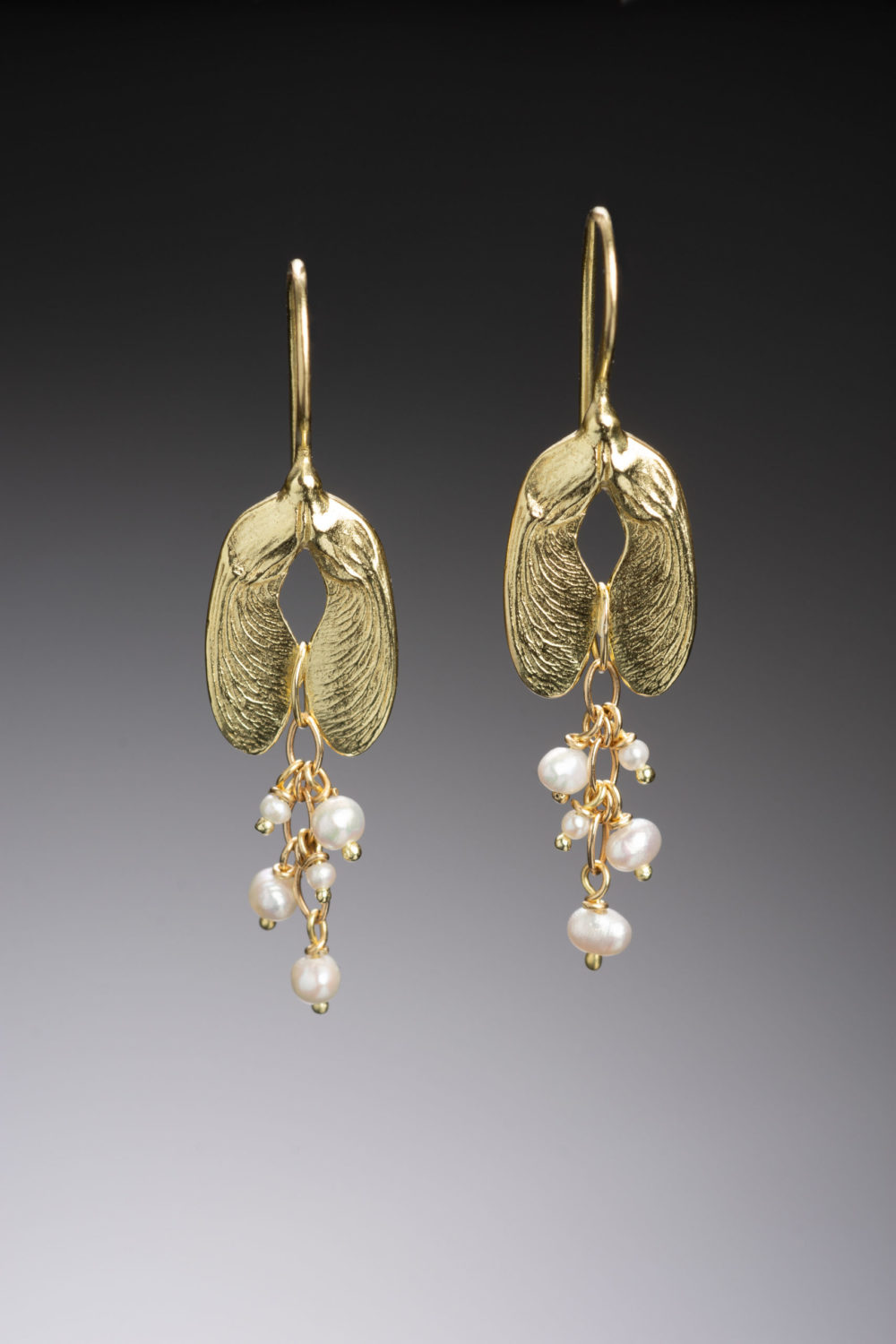NISA Jewelry Pearl Seeded Samara Earrings gold