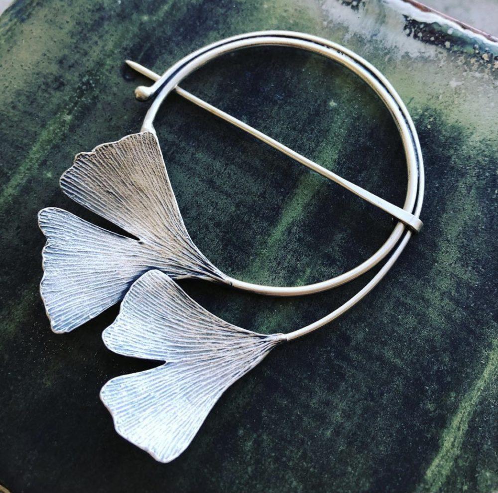 NISA Jewelry Ginkgo Fibula, IG