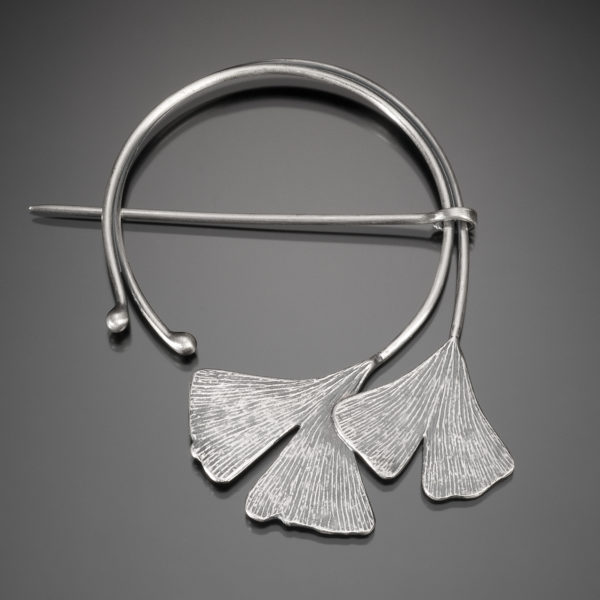NISA Jewelry Ginkgo Fibula